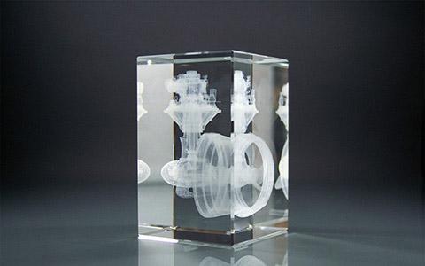 3D Glasquader mit Glasinnengravur