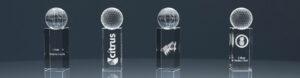 Vier Glaspokale Trophy World Champion mit Lasergravur
