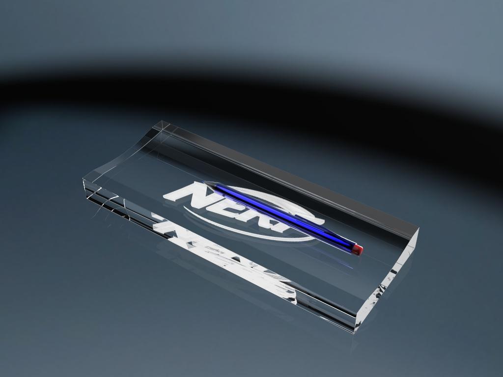 Stifteablage aus Glas mit Gravur und einem Stift