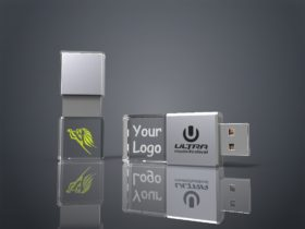 Zwei USB Sticks Crystal Slide aus Glas mit Lasergravur